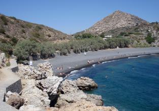 1η παραλία Μαύρα Βόλια